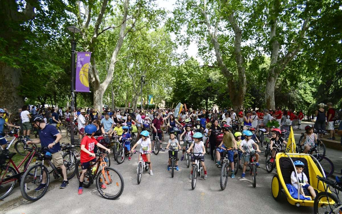 Il  Bike Pride Bologna: dieci anni di acrobazie nel traffico.