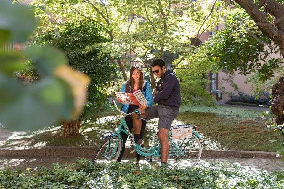 I 10 nuovi itinerari da fare in bici, con guida o in autonomia, per vivere Bologna like a local.