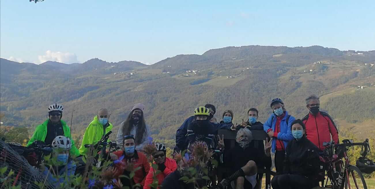L'unico giro in bici associativo di quest'anno: sui colli bolognesi a scoprire vigneti e cantine, è l'itinerario di Vino in Vino che quest'anno ci ha portato in Valsamoggia.